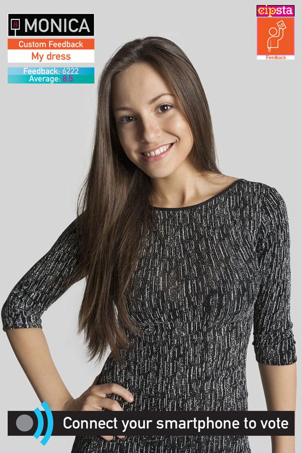 Ragazza con un nuovo vestito vuole dei feedback